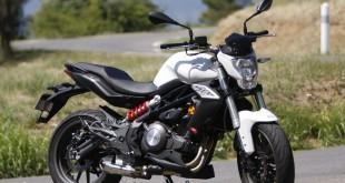 Benelli : Nouveau tarif 2016 en baisse pour le Roadster BN 302