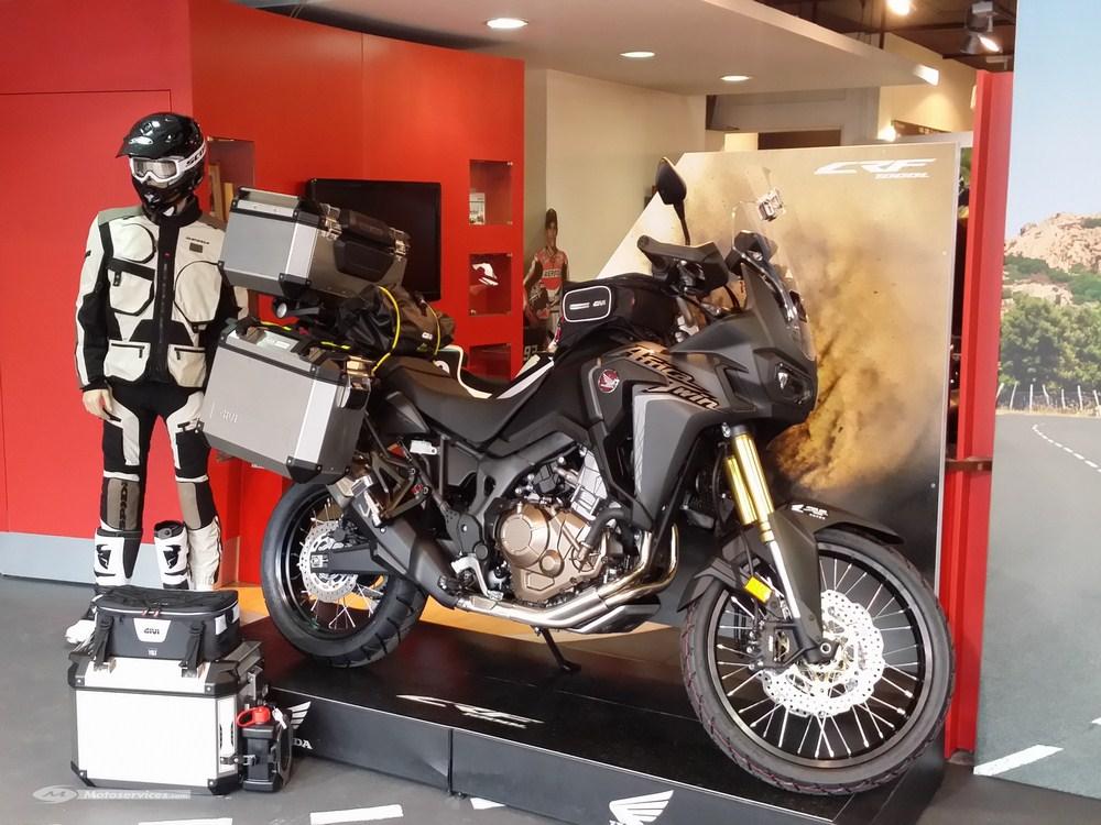 Givi pour Honda Africa Twin : valises Trekker et accessoires