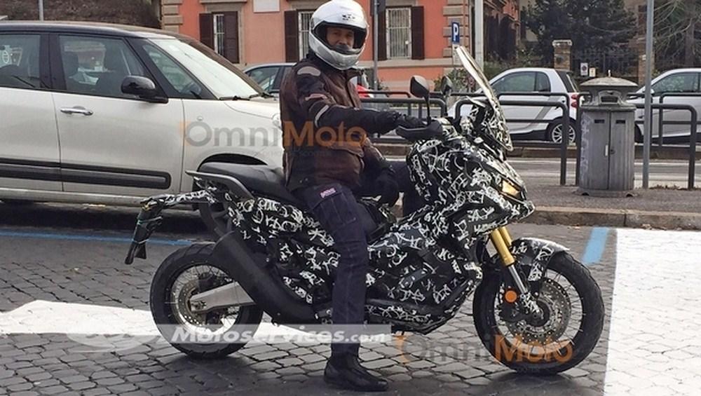 Honda ADV City Adventure : photos volées, mais retard annoncé