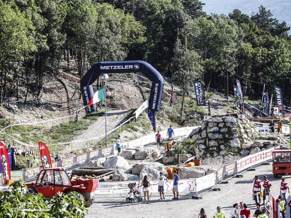 Metzeler ouvre son Off Road Park, un terrain d'enduro en Italie du Nord