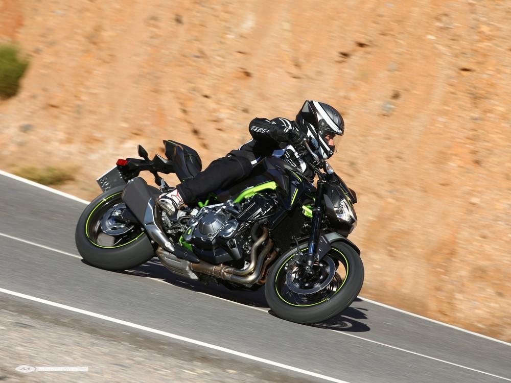 Essai Kawasaki Z900 La Z800 En Mieux Moto Dz