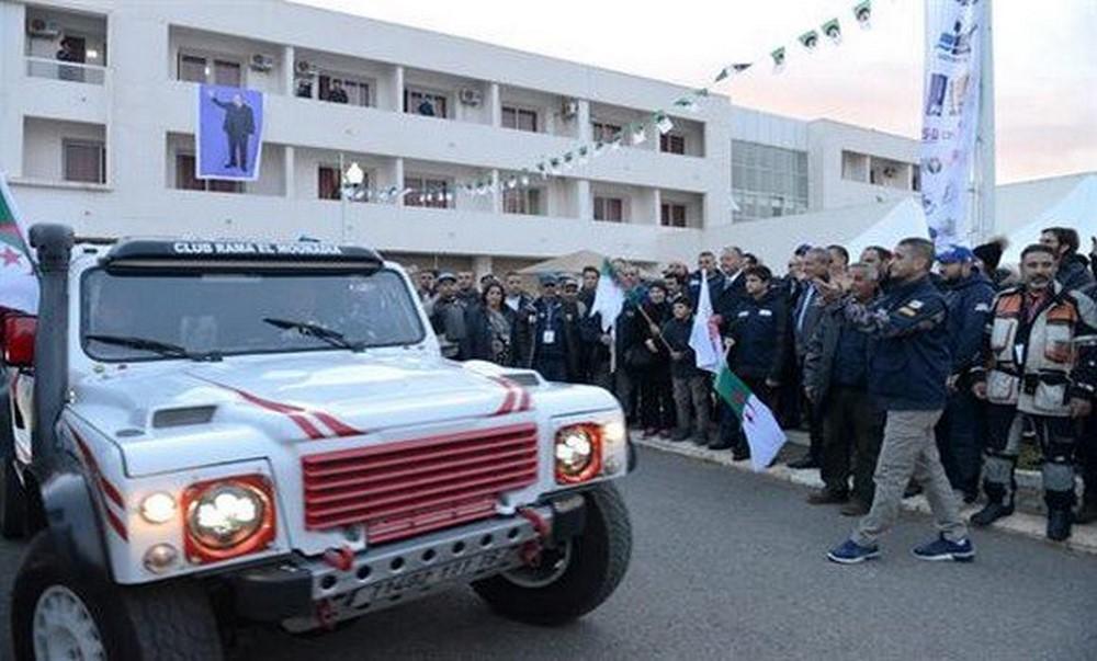 """Rallye d'Algérie """"Challenge Sahari international : départ de la caravane d'Alger"""