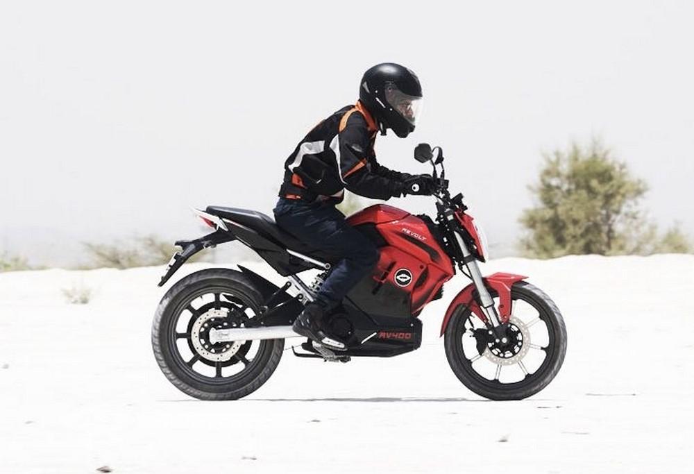"""Revolt RV 400 : la """"125"""" électrique qui offre 150 km d'autonomie"""