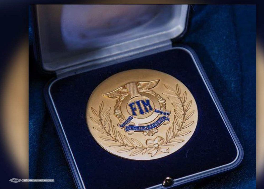 casques Arai reçoivent une médaille d'or de la FIM pour la sécurité