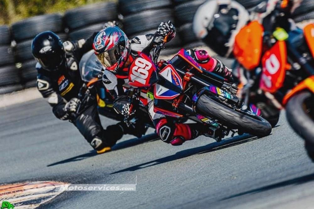KTM Cups 2020 : les 1290 Super Duke et 790 Duke reprennent la piste