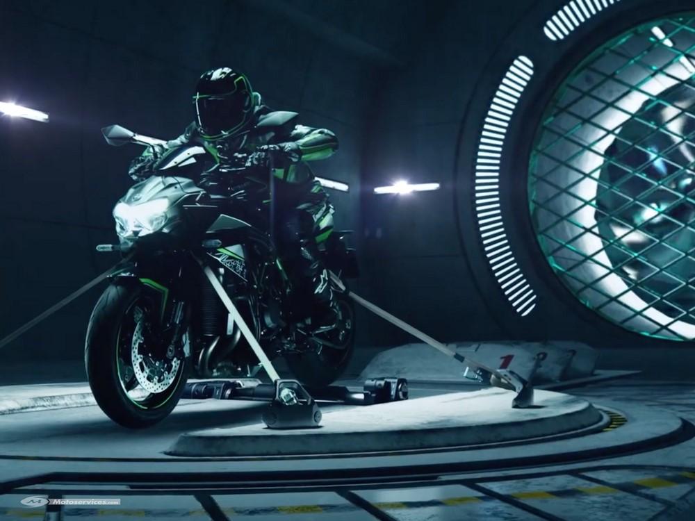 Ecoutez les hululements de la Kawasaki Z H2 !