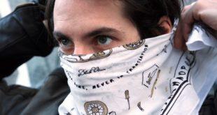 Ikons, le foulard universel