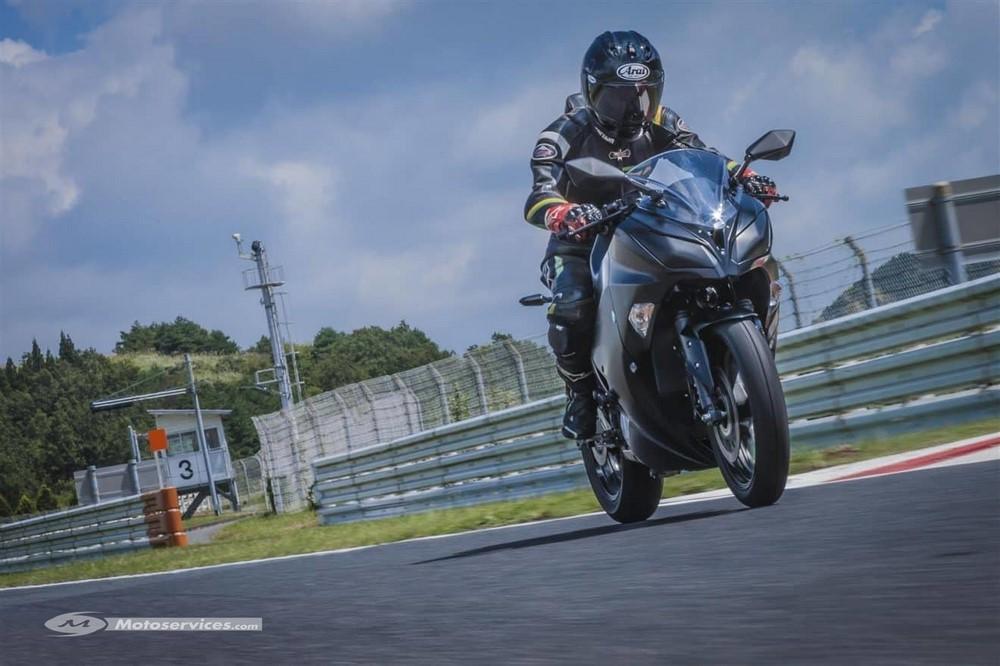 La sportive Kawasaki électrique a désormais un nom !
