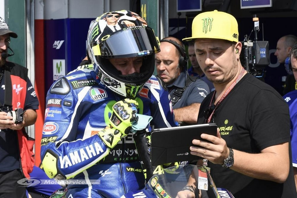 MotoGP 2021 : Rossi continue ? Son grand complice Uccio dit que oui.