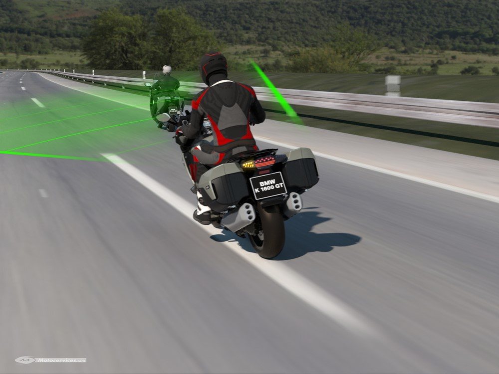 BMW lance le régulateur de vitesse adaptatif