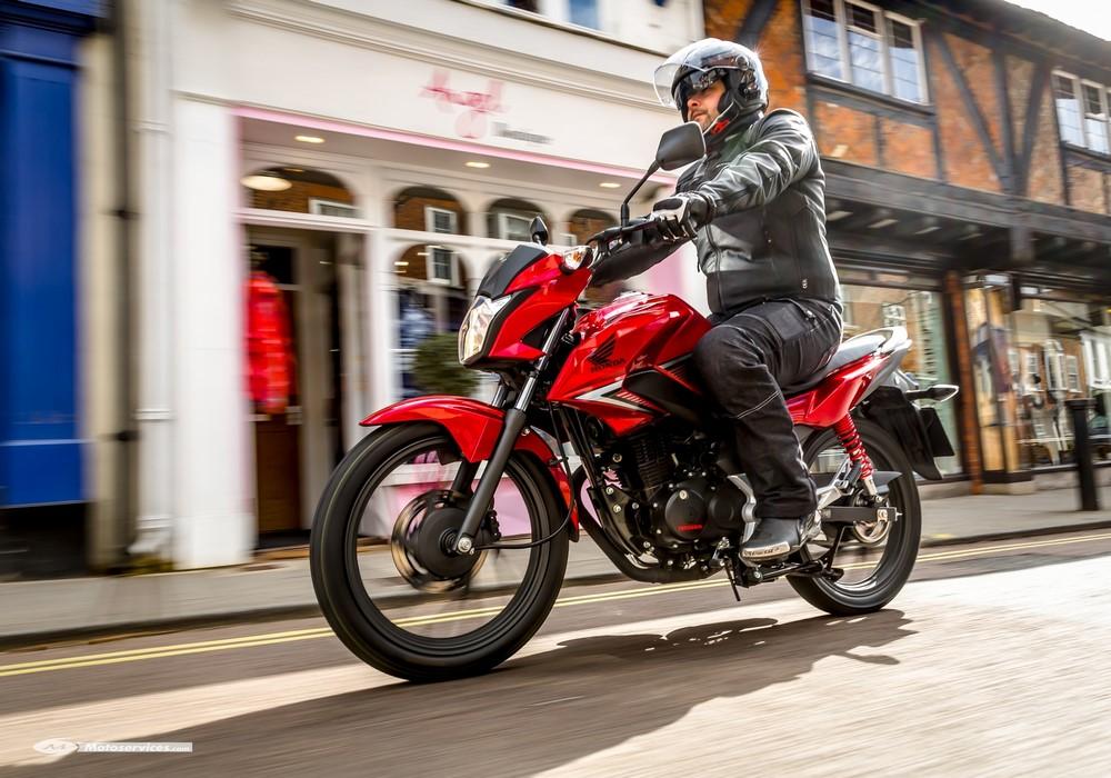 Quelle remplaçante pour la Honda CB 125 F en 2021 ?